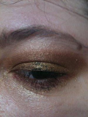 messy glam rock eye