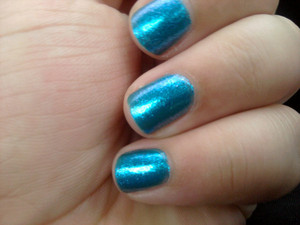 Nails: Sally Hansen HD Polish in Spectrum
