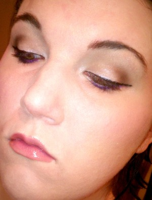 full neutral soft make-up with a touch of purple