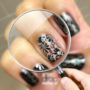 http://2thelastdrop.com/2012/08/21/flowers/  Santee-nude Shany nail stamping plate