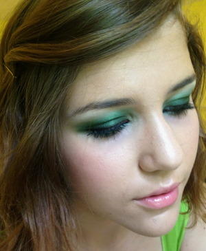 Green smoky eye with pink lips and cheeks (P.S. The lip gloss is in the color Fantasy but I wasn't able to select that)