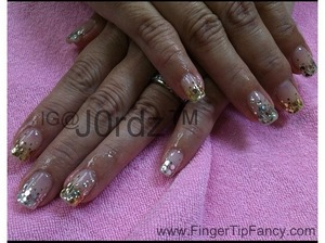 FOR DETAILS GO TO: http://fingertipfancy.com/gold-silver-nails
