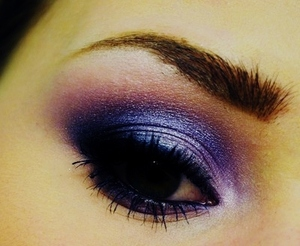 Purple smokey makeup perfect for my Green eyes!
