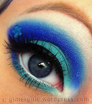 A blue and turquoise, summery look! ^-^