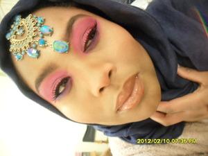 1980's eye make up but using pink and I felt like twisting it into Asian Bridal :)