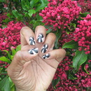 Black and White windmill nails