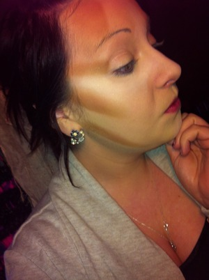 This is my daily contouring process, before all blended out :)