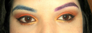 My firt attempt to color my eyebrows.
