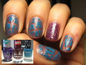 Base: Essence touch&go n 63 + Deborah crackle polish + Essence glitter top coat (accent nail)