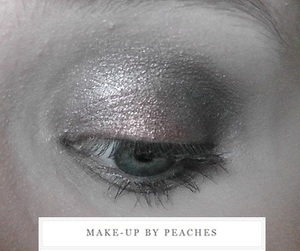 http://www.youtube.com/user/MakeupbyPeaches?feature=mhee http://makeupbypeaches.blogspot.co.uk/