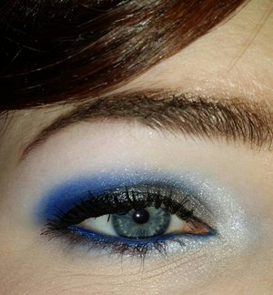 The silver and white are from the Sophora IT Smoky Palette and the blue is Chaos from Urban Decay.