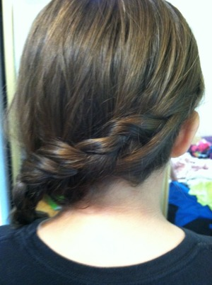 My sister wanted something different so I tried a Dutch Sidebraid . Wht do u guys think?