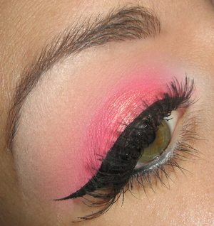 Hot pink make-up tutorial   Here is the tutorial for it : coming soon !   Feel free to subscribe to my youtube channel for make-up tutorials : http://www.youtube.com/user/ClaireMakeupStudio