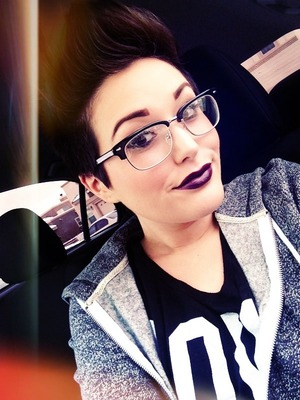I either like to go dramatic with my eyes or lips, and since I wore my glasses I decided on Cyber lipstick :)