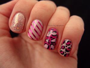 http://arvonka-nails.blogspot.sk/2013/01/ruzova-skittle-manikura.html