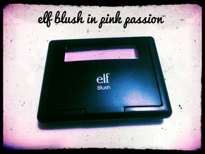 this blush is awesome, beautiful and lasts all day! I love it <3