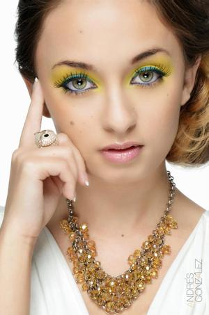 Model: Arienne Few MUA: Nelly C. Hairstylist: Nelly C. Photographer: Andres Gonzalez