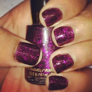 I just adore the color fuchsia and the way the glitter in the polish seems to light up my favorite color - irresistible!