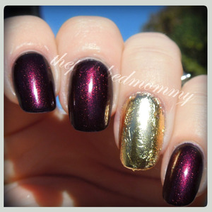 #nailartoct -gold. http://www.thepolishedmommy.com/2013/11/every-month-is-golden.html