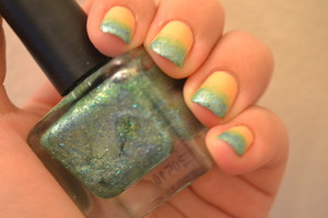 Sponge gradient done with Urban Outfitters UO nail polish in Sea Dust and Kleancolor Pastel Orange.