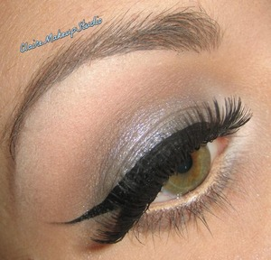 Tutorial for this look :  http://www.youtube.com/watch?v=J1p9UIxNAjE