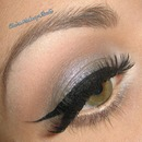 """Softwash Grey"" Winter 60's Doll make-up"