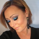 New Years Eve Midnight Blue Makeup Look