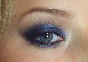 How I did the look here: http://www.youtube.com/watch?v=8fT1MF0d510&feature=g-upl