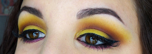 more pictures here : http://leanna-makeupartist.blogspot.fr/2013/06/jaune.html