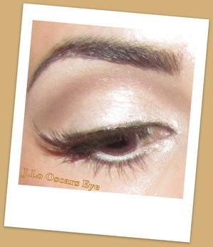 http://leadingladymakeup.com/2012/03/01/j-lo-at-the-oscars/