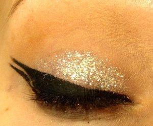 "Using Lit Cosmetics glitter in ""Hello Sunshine"""