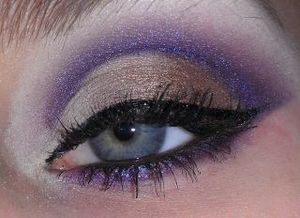 Excuse the hideous brows! Cropped them out lol. Golden brown & purple.