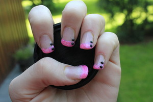 This was the second time I made UV gel nails :)