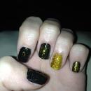 gold glitter nails black