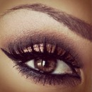 Smokey eye look