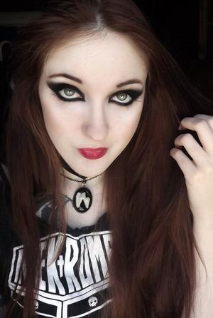 Once a goth kid, ALWAYS a goth kid! xD Don't mind my crazy hair!