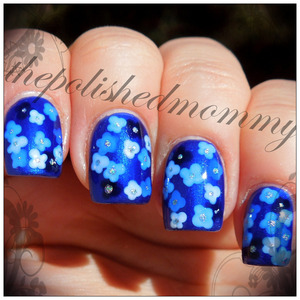 Nail Art Challenge: Flowers. http://www.thepolishedmommy.com/2013/05/flowers-underwater.html