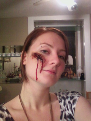 - Small cut prosthetic piece, liquid latex, spirit gum, concealer, foundation, powder, injury pack and blood (thick and thin)