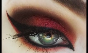 The Mad Hatter's Asylum. Red Eyeshadow Tutorial!