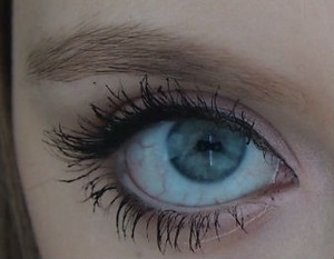 I did this cute light pink eyeshadow with a think line of eyeliner. Super cute and simple!