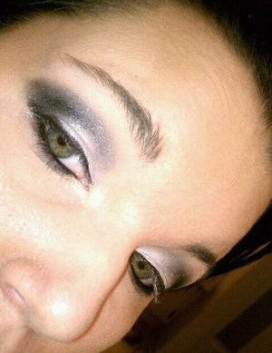 white and black eyeshadow