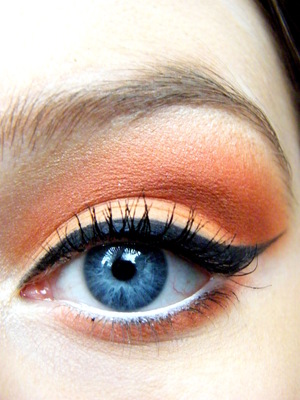 Spring Trend makeup orange