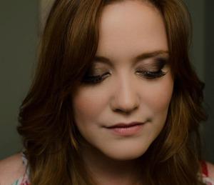 -bronzed smokey eye with coral cheeks and soft nude lips -soft, loose waves Fall look MUA & Hair: Kerri Martin