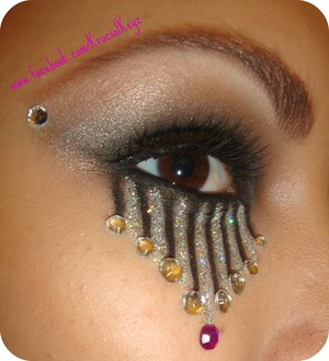 I Cry Glitter! Thats How Much i Love This Stuff! ;)