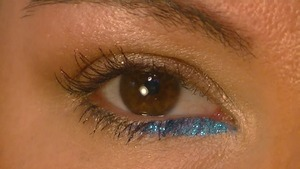 Pop of Blue Tutorial Close Up