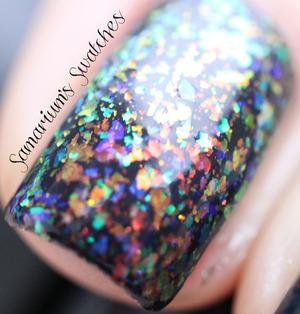http://samariums-swatches.blogspot.com/2012/01/flakie-frenzy-matte.html