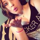 Shes blowin me kisses' <3