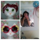 No make-up or extensions & cat lamp <3