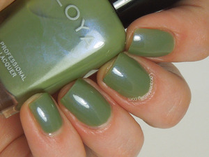 The beautiful Zoya Gemma. More photos on my blog: http://www.lacquermesilly.com/2014/02/20/zoya-gemma/