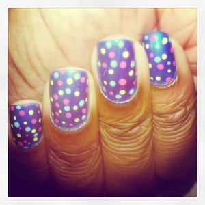 Feeling funky and decided to get experimentive with the nails..